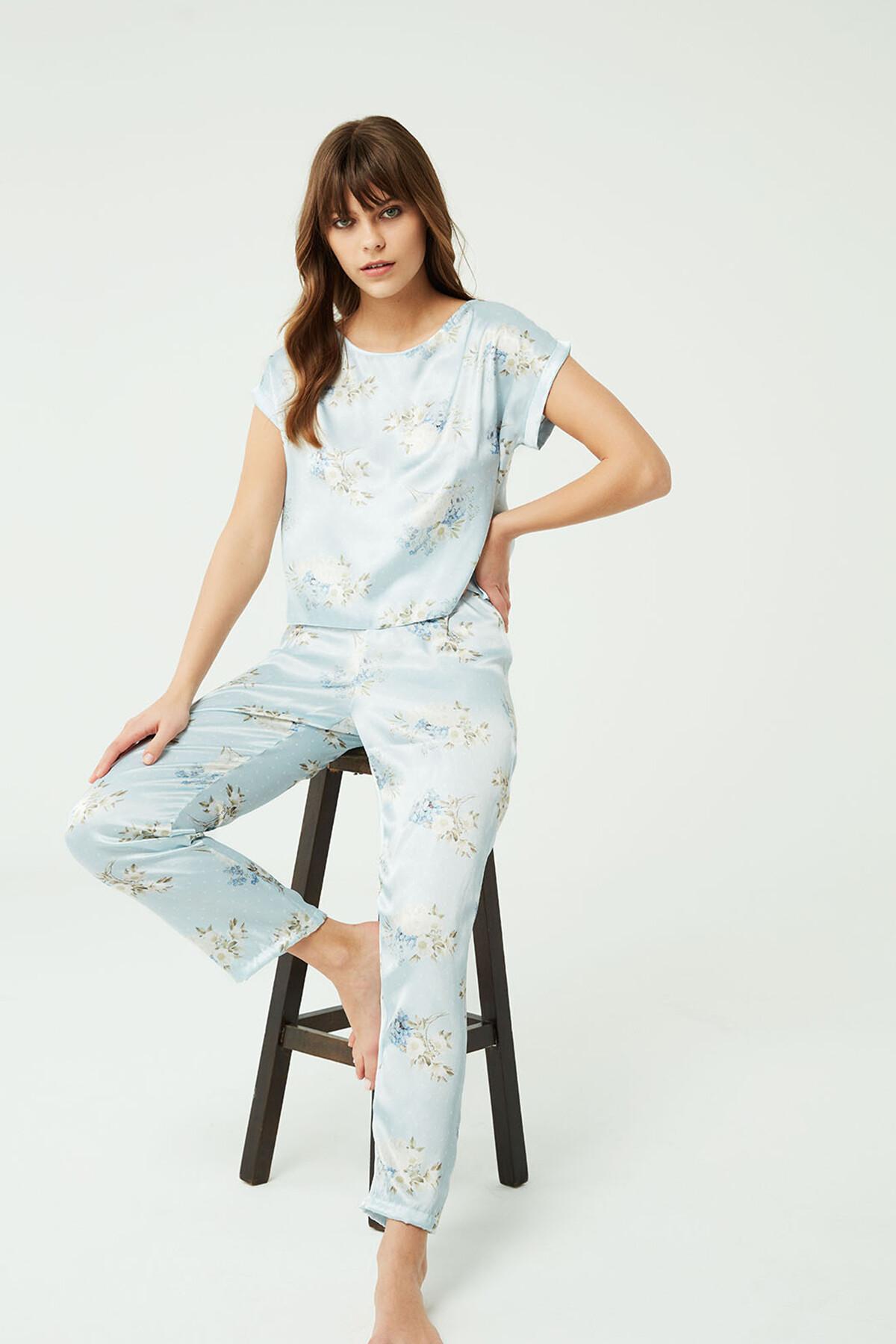 Açık Mavi Saten Pijama Takımı