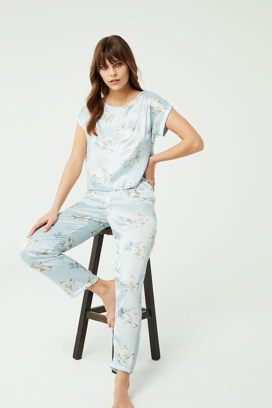 Açık Mavi Saten Pijama Takımı - Thumbnail